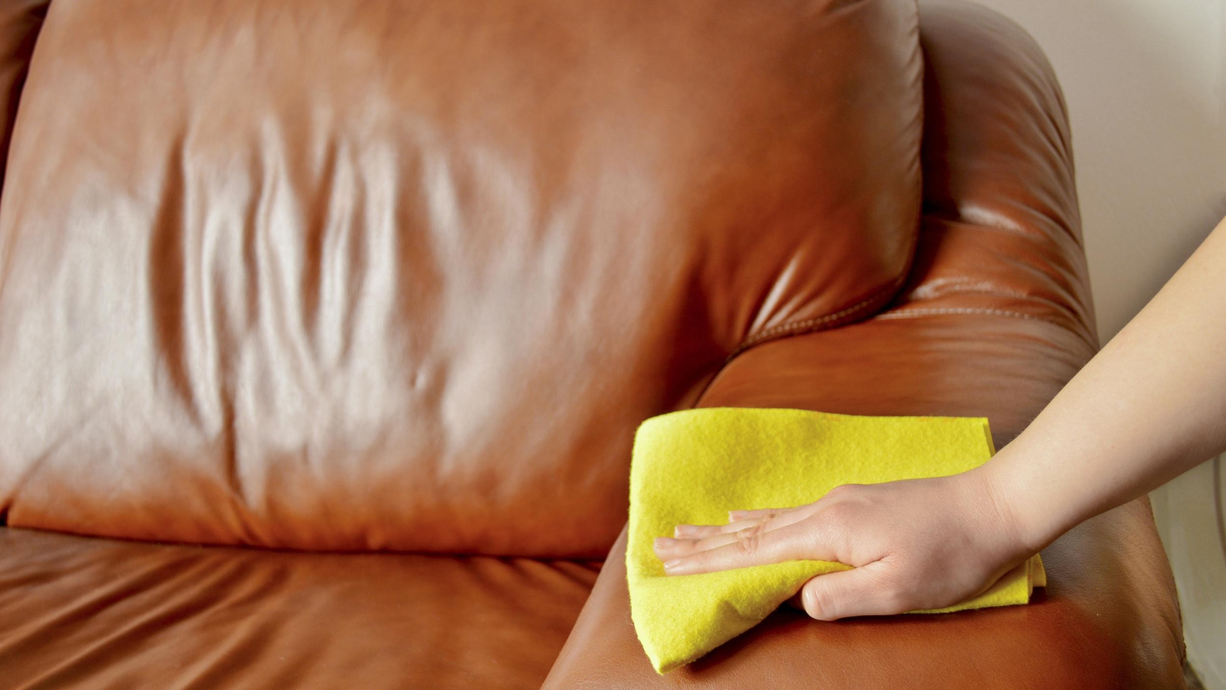 leder und lederm bel reinigen und polieren mit essig lein l. Black Bedroom Furniture Sets. Home Design Ideas