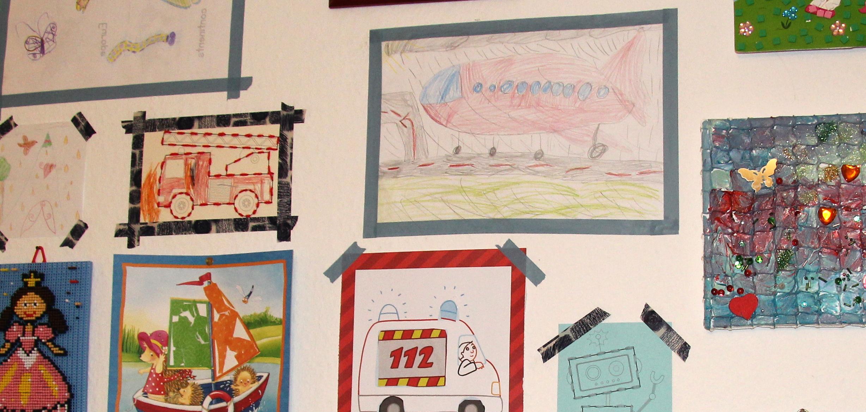 anleitung ordnung im kinderzimmer was tun mit all den kinderbildern. Black Bedroom Furniture Sets. Home Design Ideas